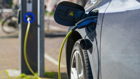 Emerging business models for the electric vehicle market